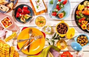 mangiare nei piatti colorati aiuta a dimagrire