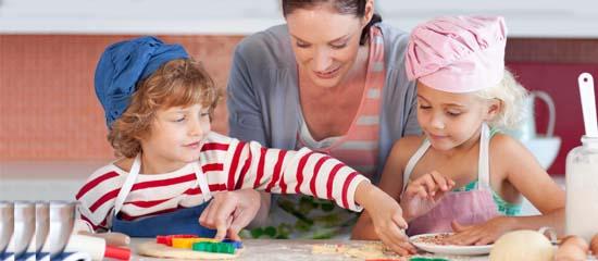 Cucina e orto per prevenire l 39 obesit melarossa - Bambine che cucinano ...