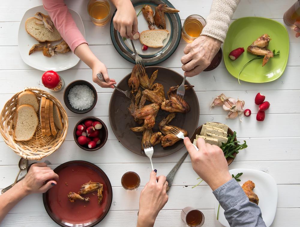 mangia più sano chi mangia in famiglia