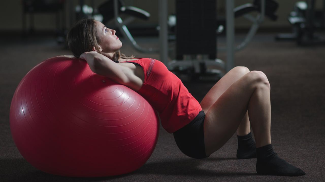 Esercizi pilates per addominali più forti