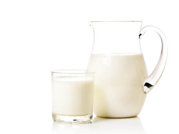 latte intero o parzialmente scremato, calcio crescere vivere sani