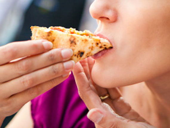 come mangi la pizza la tasca