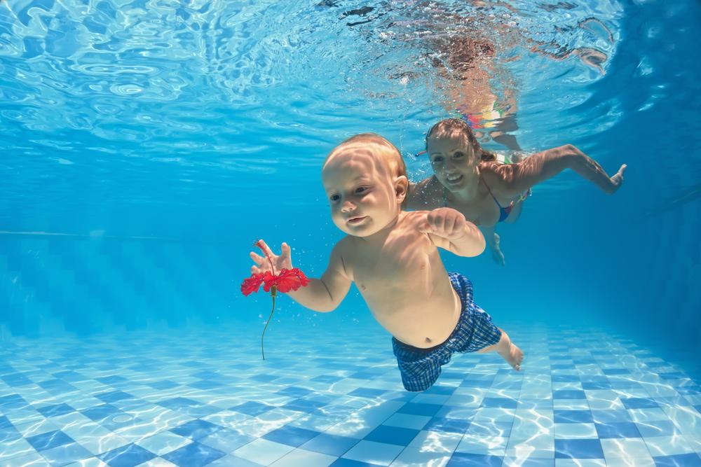 nuoto da fare con tuo figlio