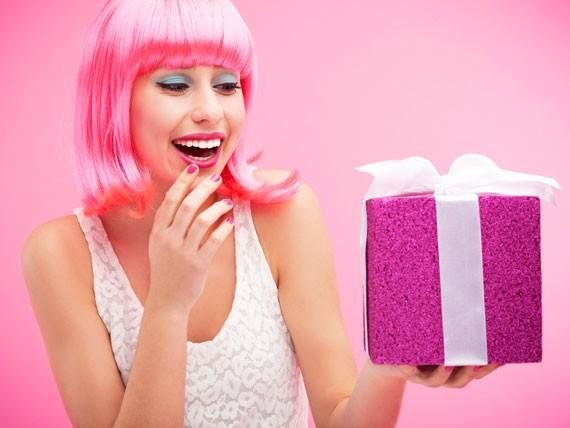 Apri regali utili alla dieta per entrare nell'abito da sposa