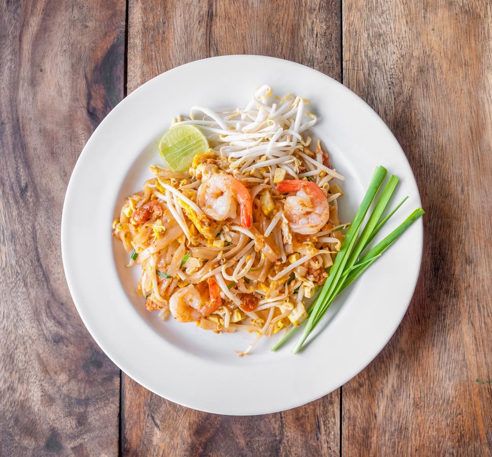 insalata di verdure con gamberi. La cucina con la Wok: sana, veloce e gustosa