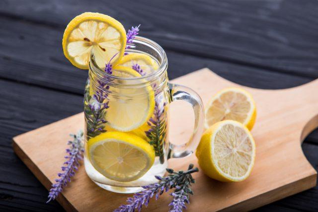 come-preparare bevande a zero calorie per l'estate