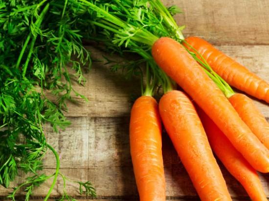 carote La dieta per capelli e unghie sani