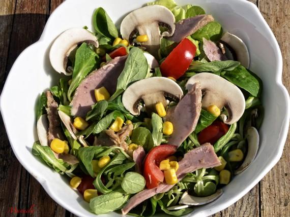 6 panini e insalate per variare la tua dieta! insalata con tonno e champignon