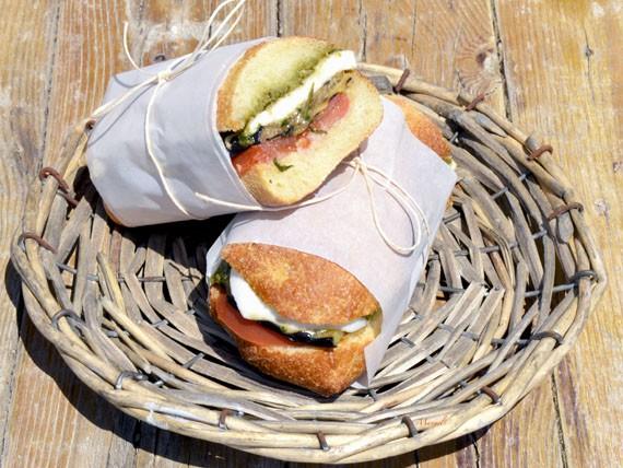 6 panini e insalate per variare la tua dieta! panino mediterraneo