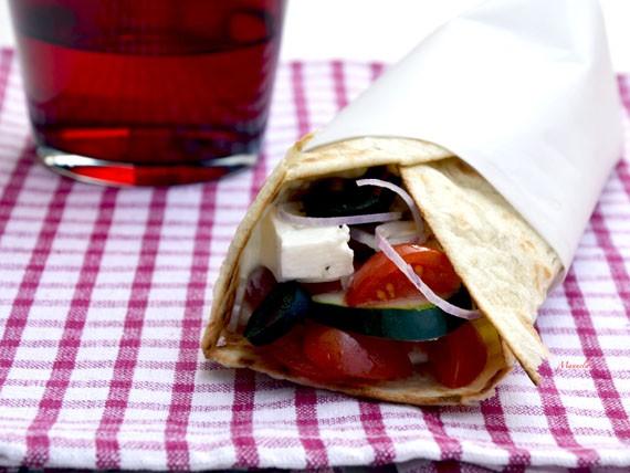 6 panini e insalate per variare la tua dieta! piadina alla greca
