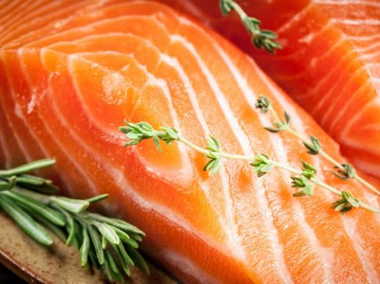 salmone La dieta per capelli e unghie sani
