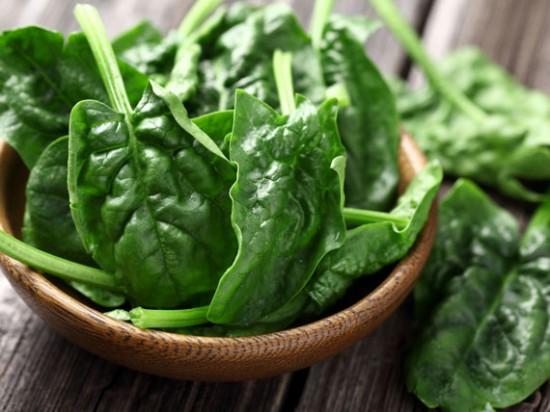 spinaci La dieta per capelli e unghie sani