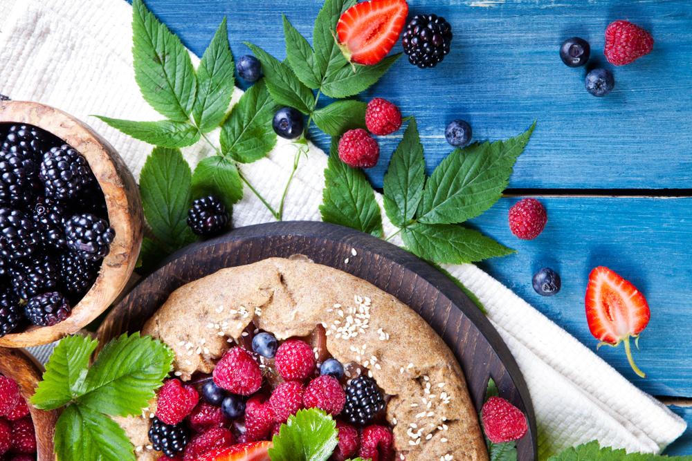 crostata integrale con farina di segale e mirtilli