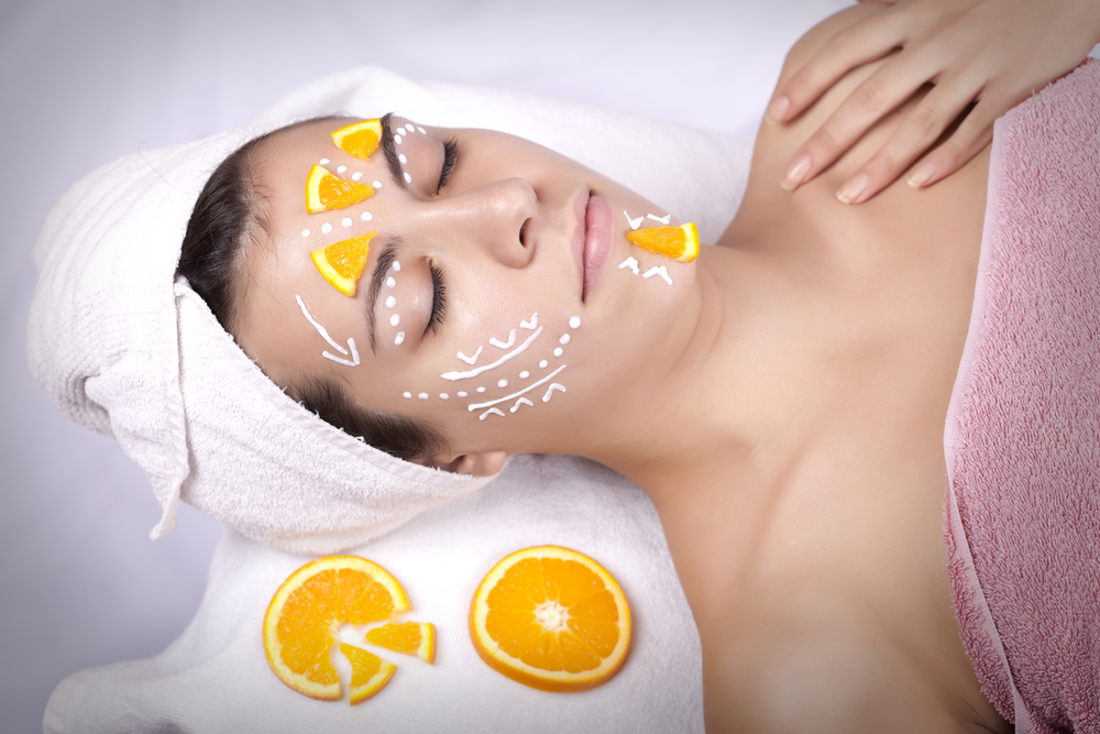 maschera viso fai-da-te alle arance per fare il pieno di vitamina C