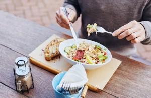 pausa pranzo a dieta, meglio panino o insalata ?