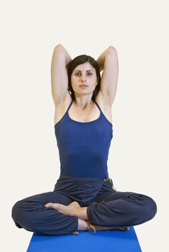 prova la respirazione yogica completa dello yoga nelle sue 9 posizioni
