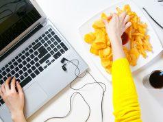 smettere di mangiare troppo: le dritte per dire basta