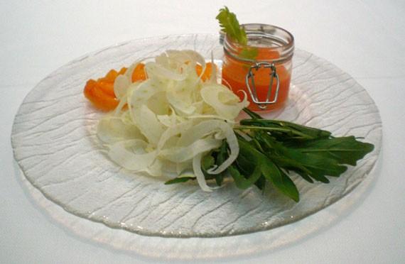 Insalata di finocchi, arance, rucola e valeriana con coulis di arance e limoni