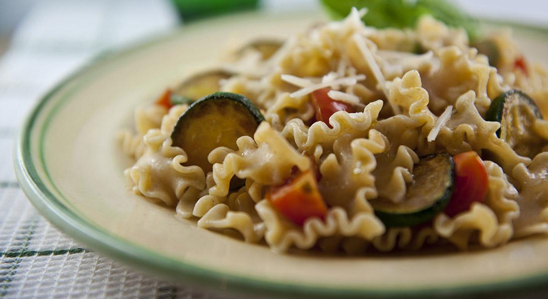 pasta integrale  Pasta integrale con zucchine e pomodorini - Ricette - Melarossa