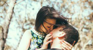 10 buoni motivi per darsi un bacio