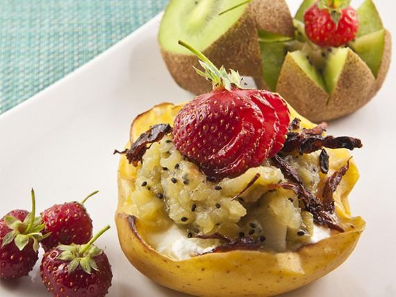 cestino di frutta con composta, dolce estivo