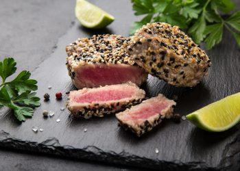 Trancio di tonno in crosta di sesamo