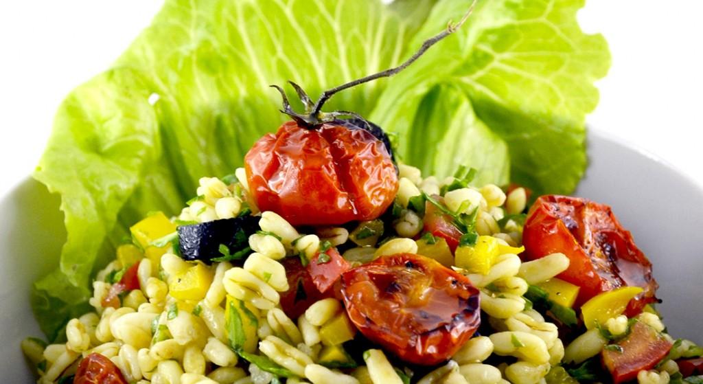 Insalata di kamut con pomodori confit