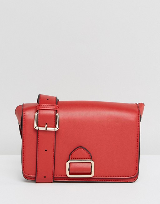 vestiti da donna rossi Borsa a tracolla con dettaglio fibbia Asos