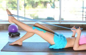 in forma con l'elastico fitness