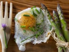 asparagi, benefici, proprietà e 4 ricette light