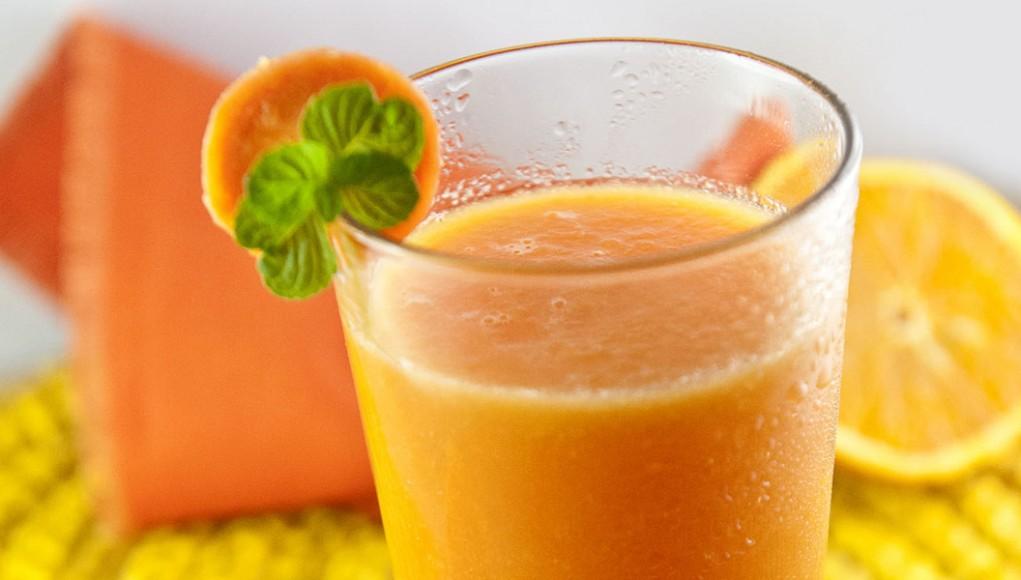 Smoothie di arancia e carota