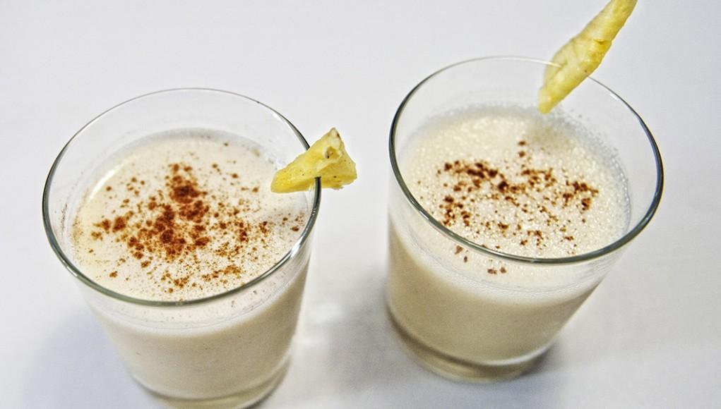 Smoothie di ananas e zenzero fresco