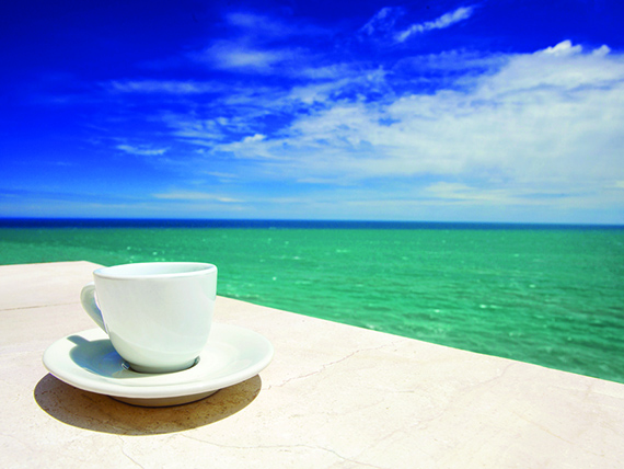 per non sudare evita caffè e thè