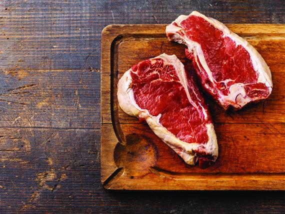 la carne rossa causa sudorazione eccessiva in estate