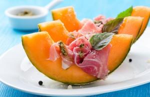 la frutta di luglio da mangiare