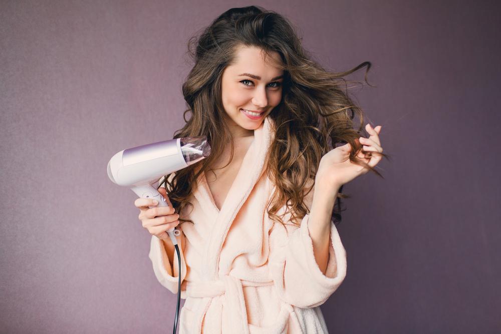 proteggere i capelli dal calore del phon e della piastra