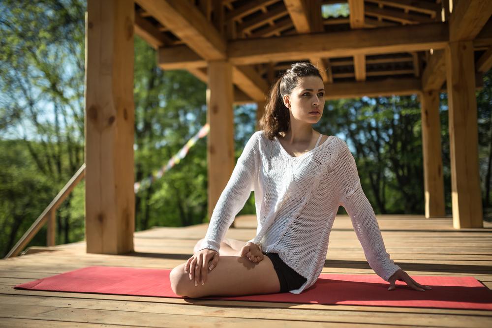 ringiovanire grazie ad una postura schiena dritta