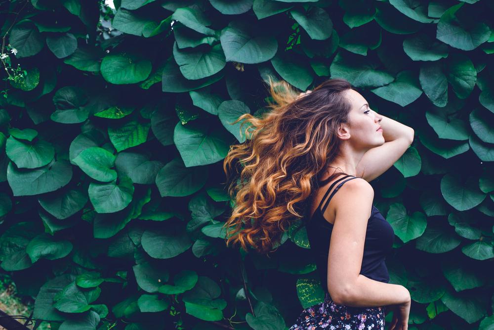 taglio capelli e cure da fare per ringiovanire il capello