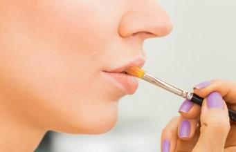 come fare il burrocacao in casa per idratare le labbra