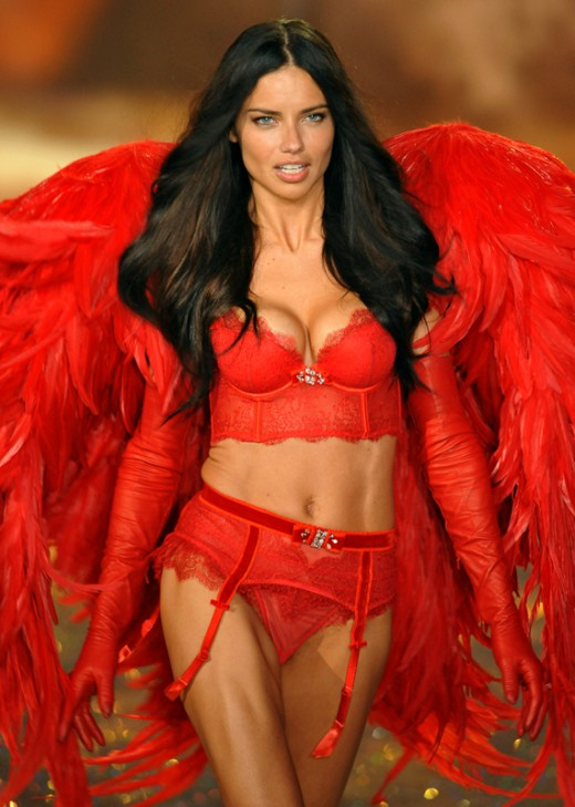 Adriana-Lima-segreti-fitness