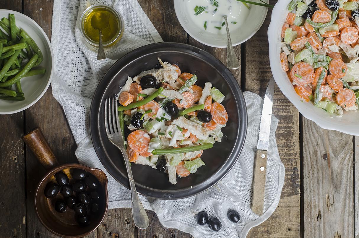 insalata di pollo, un secondo leggero e nutriente