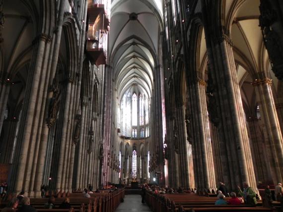 Guarda la bellezza dei monumenti di Colonia