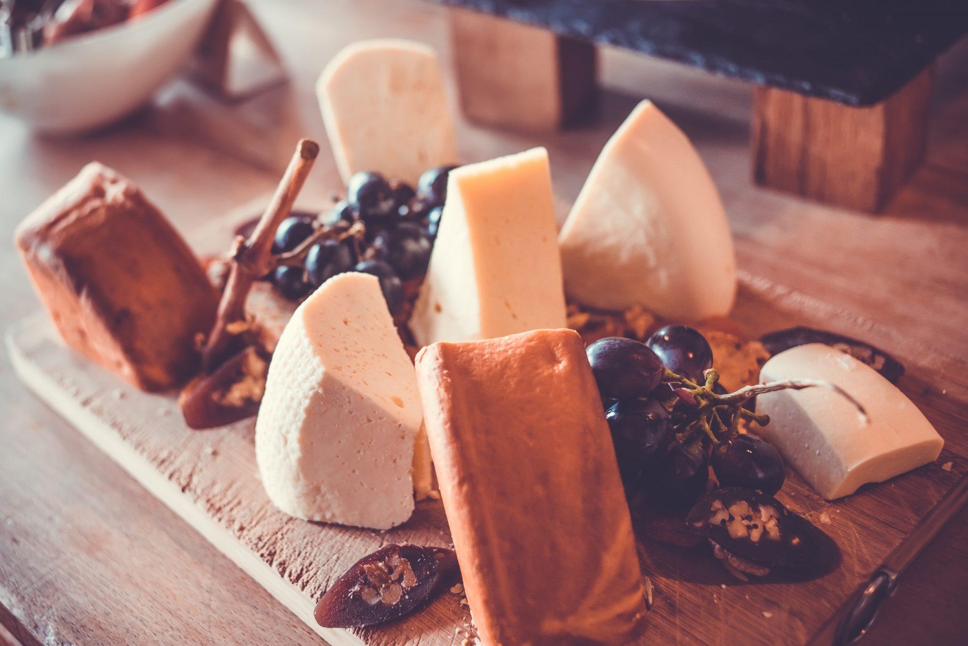 consigli per scegliere i formaggi con affumicatura naturale