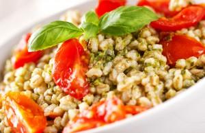 ricetta insalata di orzo pomodori e olive