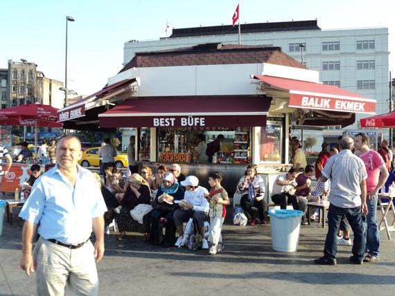 guarda i posti e i cibi di istanbul tipici