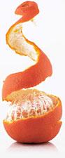 mandarino sbucciato a metà