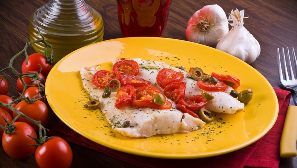 ricetta per preparare il merluzzo al pomodoro