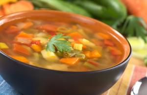 la ricetta per preparare la minestra di verdure
