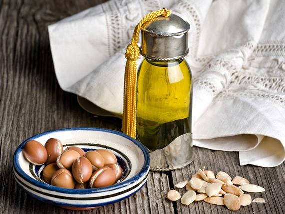 Gli oli vegetali cosmetici per idratare la pelle