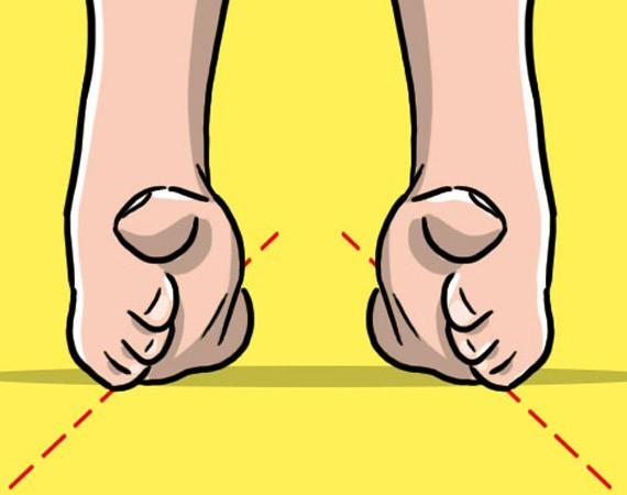 rafforzare piedi e caviglie con la camminata